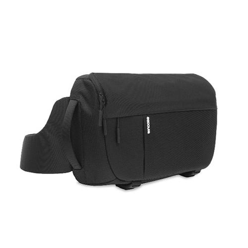 [인케이스]INCASE - DSLR Sling Pack - Nylon CL58067 (Black) 인케이스코리아정품 당일 무료배송 카메라 슬링백