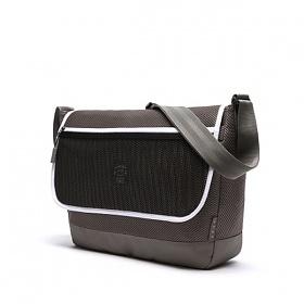 [에이지그레이]AGEDGRAY - AT09FDG Mesh crossbag 메쉬크로스백 크로스 크로스백 가방 메쉬 메쉬가방 메신저 메신져 메신저백 메신져백