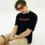 [매스노운]MASSNOUN Unisex T-Shirt - FIRE NAMED - MUSTS001-BK 유니섹스 파이어 네임드 반팔티