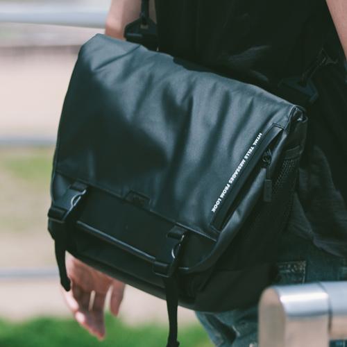[에이치티엠엘]HTML - Muscle L7 Messenger Bag (BLACK) 가방 메신져 메신저 메신져백 메신저백