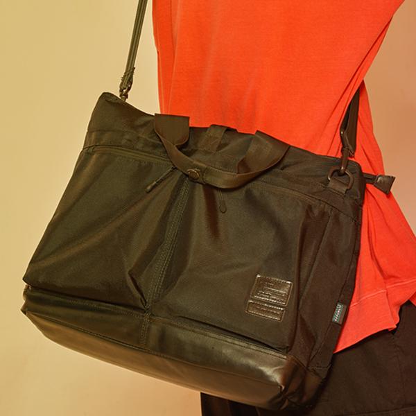 [몬스터리퍼블릭][사은품 키링 증정/구매후기 지갑증정] RELEASE HELMET BAG / BLACK 토드백 숄더백 크로스백 헬멧백
