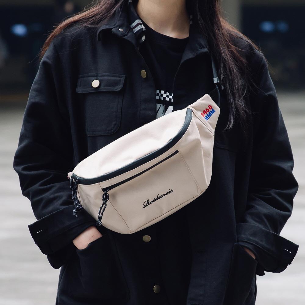 [로아드로아]ROIDESROIS - BOOM WAIST BAG (BEIGE) 가방 웨이스트백 힙색