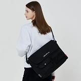 [로아드로아]ROIDESROIS - HUSH MESSENGER BAG (BLACK) 가방 메신저백 메신져백 크로스백