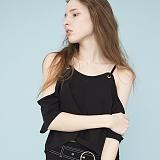 [비에이블투]BABLETWO Off The Shoulder Blouse (BLACK) 오프숄더 블라우스