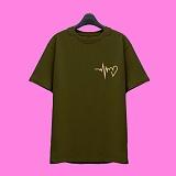 [슈퍼레이티브] superlative - [SST323] 하트비트 반팔 티셔츠 - 반팔 티셔츠 - 카키