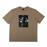 [아이넨]EINEN-Peerless Urban Secret 1/2 T-Shirts Dark Beige 반팔티