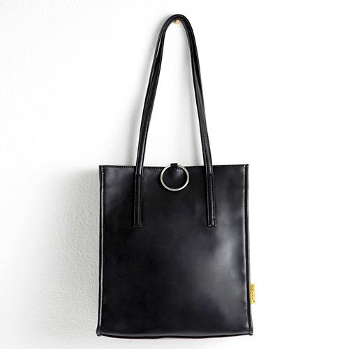 [옐로우스톤] 가죽 숄더백 LEATHER SQUARE RING BAG - YS2073BP 블랙