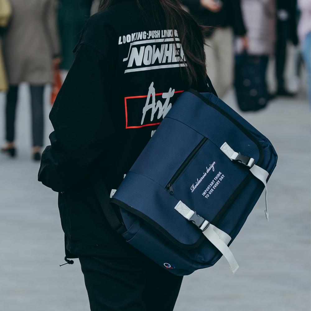 [로아드로아]ROIDESROIS - CLAP CLAP MESSENGER BAG (NAVY) 메신저백가방 메신져백 크로스백