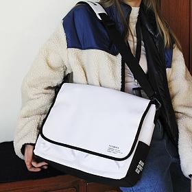 [피스메이커]PIECE MAKER - SSC MAIL MESSENGER BAG (BLACK WHITE) 메일백 메신저백 가방