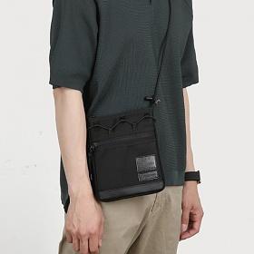 [몬스터 리퍼블릭][사은품 키링 증정/구매후기 지갑증정] MAX BLACK SACOCHE BAG 사코슈