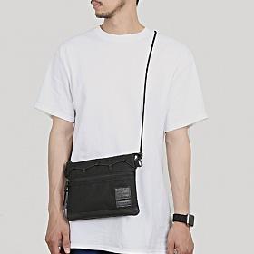 [몬스터 리퍼블릭][사은품 키링 증정/구매후기 지갑증정] MAX BLACK WIDE SACOCHE BAG 사코슈