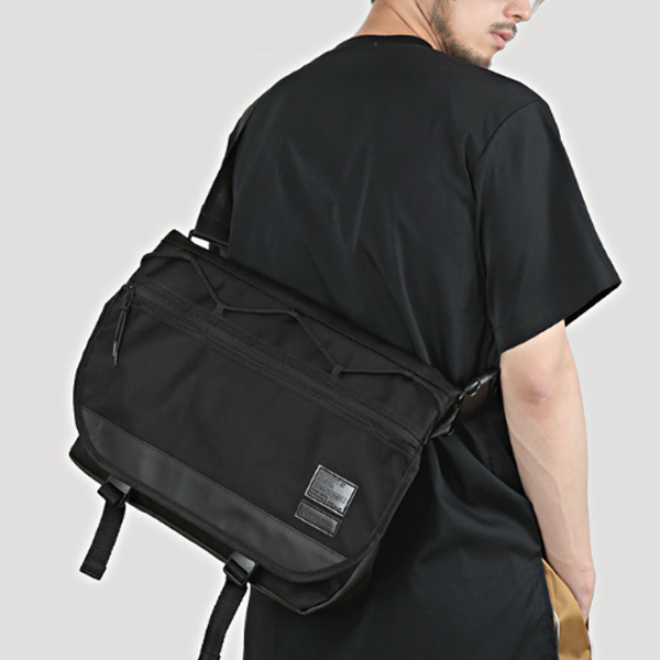 [몬스터리퍼블릭][구매후기 지갑증정] MAX BLACK MESSENGER BAG 메신저백