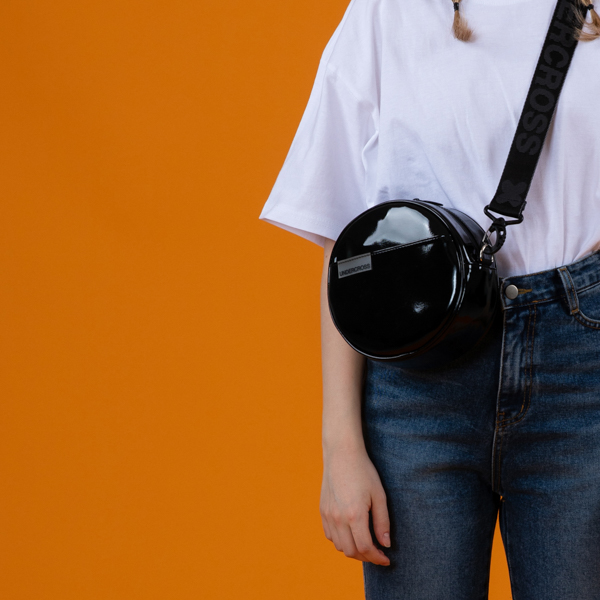 [언더크로스 걸]UNDERCROSS GIRL 써클 미니 크로스백 모노 에나멜 블랙 숄더백 여성가방