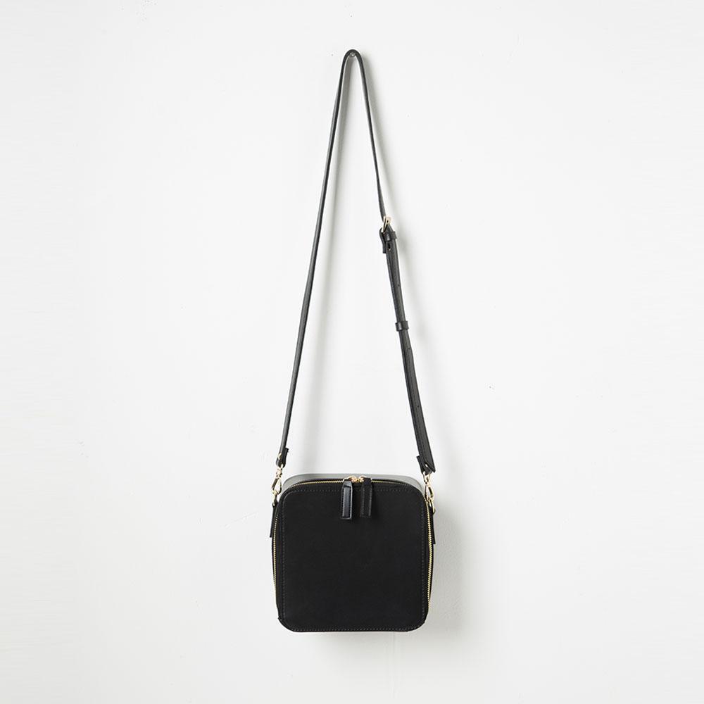 [풀포] Square 크로스백 (Black) - P003C_BK