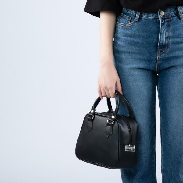 [언더크로스 걸]UNDERCROSS GIRL 레이나 토트백 매트 블랙 여성가방