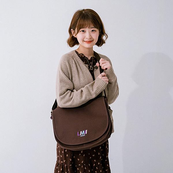 [르마인]LE39FBR 하프문 메신저백(Brown) 크로스백