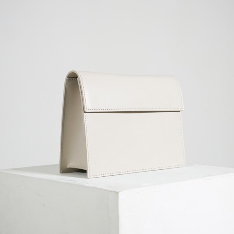 [에크루]ECRU - 플랩 박스 백 - 아이보리 크로스백
