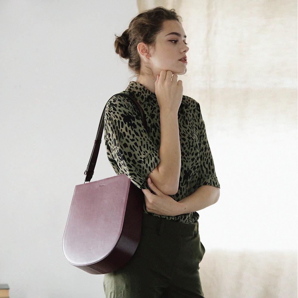 [페넥]FENNEC HALFMOON HOBO BAG - WINE 하프문 호보백 숄더백 크로스백
