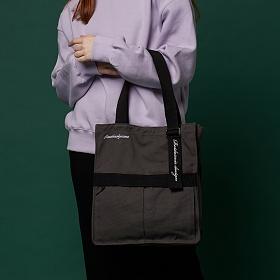 [어나더프레임X로아드로아] AH CHOO SHOULDER BAG (DK.GRAY) 숄더백 토트백 가방