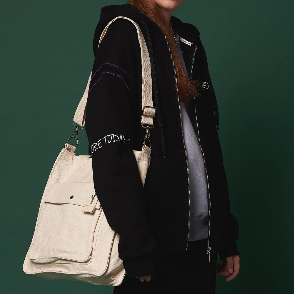 [어나더프레임X로아드로아] NEW AH CHOO SHOULDER BAG (IVORY) 숄더백 크로스백 가방
