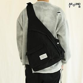 [어라운드투비]AROUND TO B - HUG SLINGBAG BLACK 허그슬링백 블랙