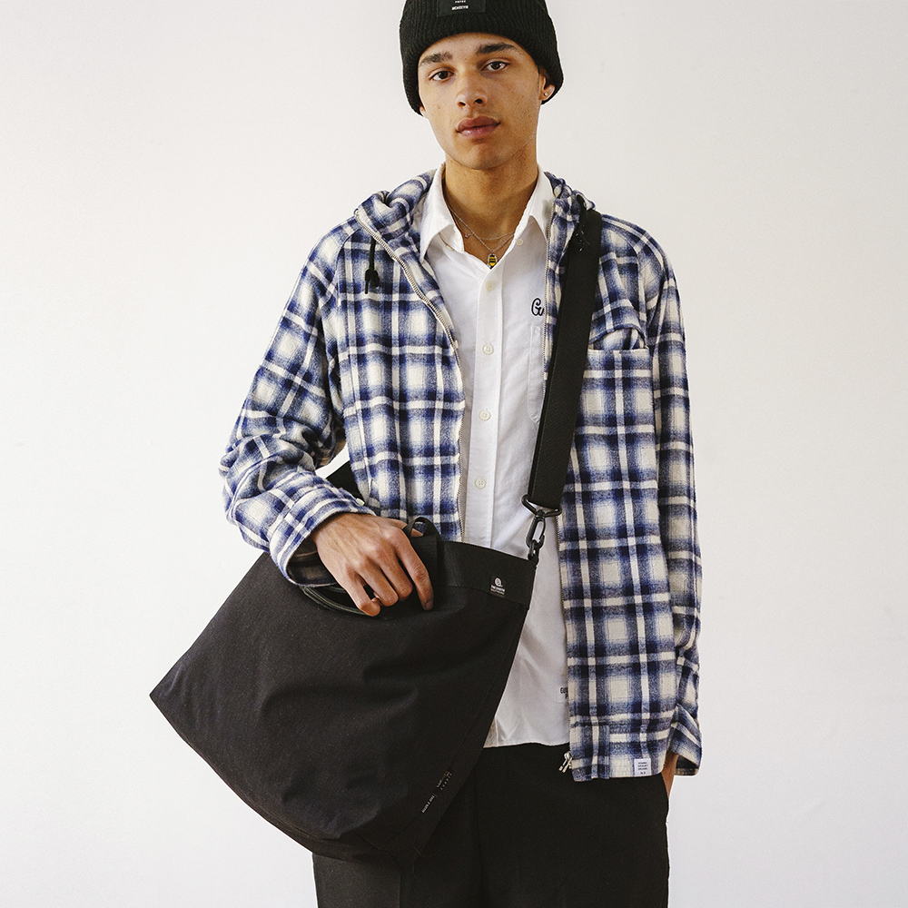 [디얼스]THE EARTH - WASHED CORDURA 20L 2WAY TOTE&CROSS BAG - BLACK 코듀라 토트백