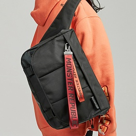 [몬스터 리퍼블릭][사은품 키링 증정/구매후기 지갑증정] EXPAND MESSENGER BAG / BLACK 메신저백