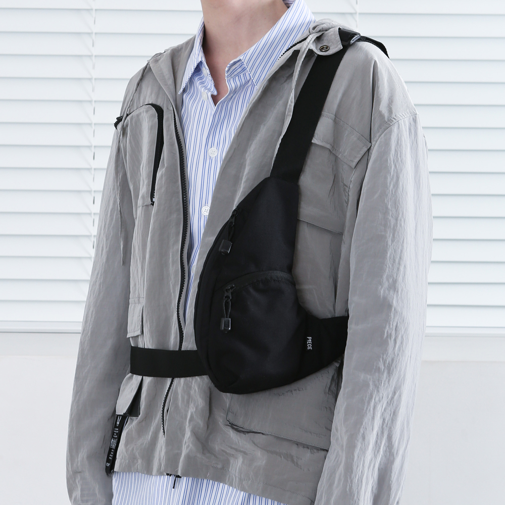 [피스메이커]PIECE MAKER - THE SHADOW TECH SLING BAG (BLACK) 슬링백