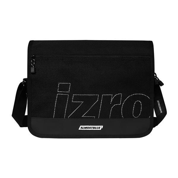 [얼모스트블루 X 이즈로] ALMOSTBLUE X IZRO MESSENGER BAG 메쉬 메신저백