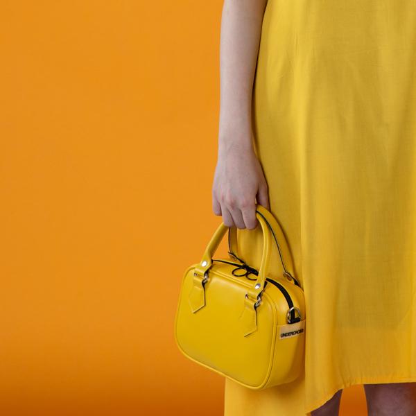 [언더크로스]UNDERCROSS 네모 미니 토트백 매트 옐로우 숄더백 크로스백 여성가방
