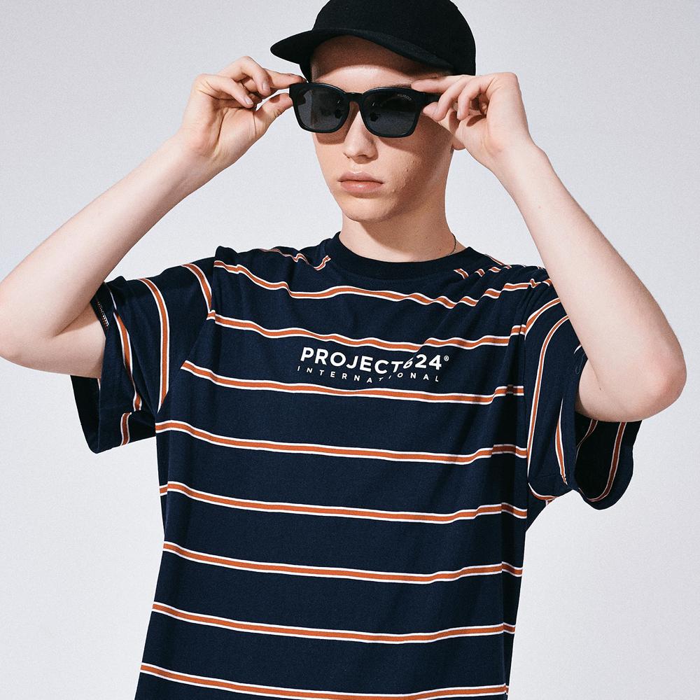 [프로젝트624](UNISEX) 인터내셔날 스트라이프 로고 티셔츠 네이비레드