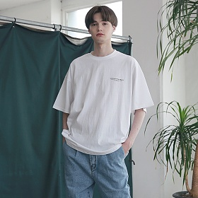 [엠오오] MOO - Subject Oversize T-shirts White 오버사이즈 티셔츠 반팔티
