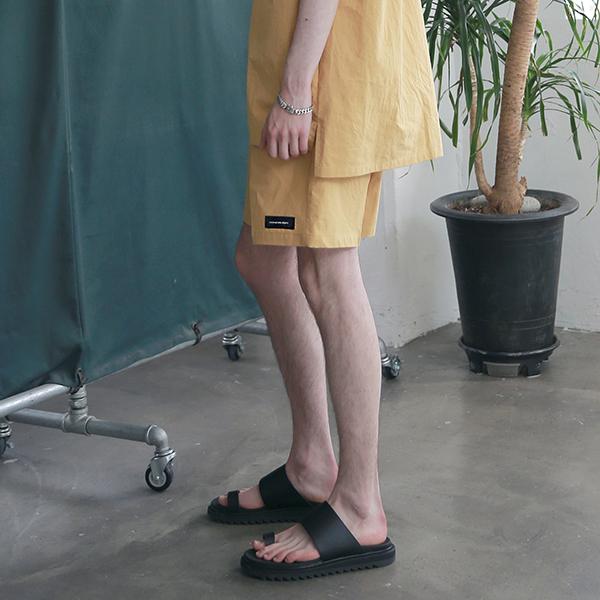 [엠오오] MOO - Minimal Washed Linen Short Pants Mustard 미니멀 워시드 린넨 쇼트 팬츠 반바지