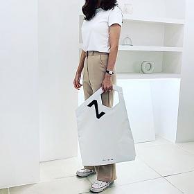 [이영]LEEYOUNG CONTOUR 19 WH Tote Bag (white) 토트백