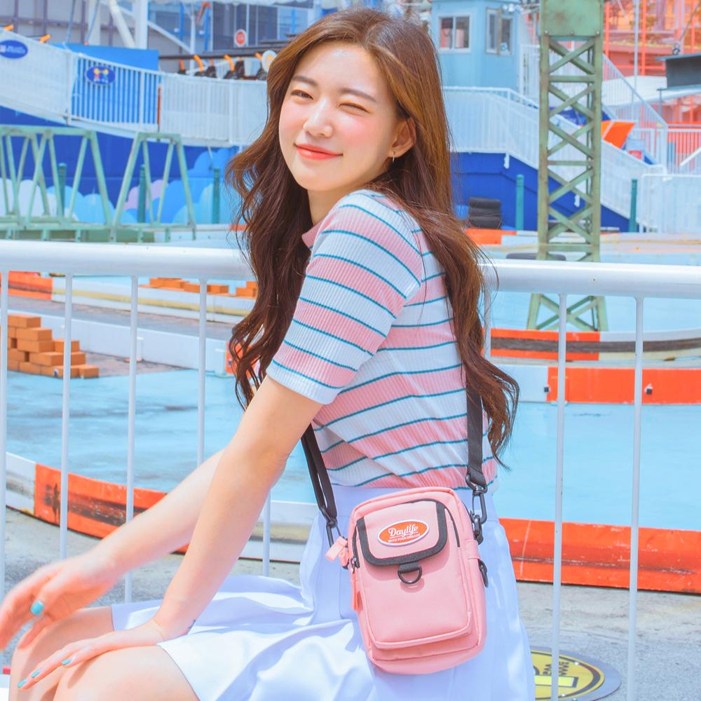[데이라이프]DAYLIFE 미니멀 포켓 크로스백 (핑크)
