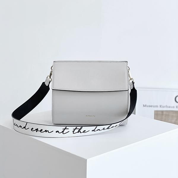 [디아이블랑] 네임 크로스백 4컬러 여성가방