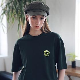 아더로브 유니섹스 시그니처 스카치 로고 티셔츠 ATS192005-GN 반팔티