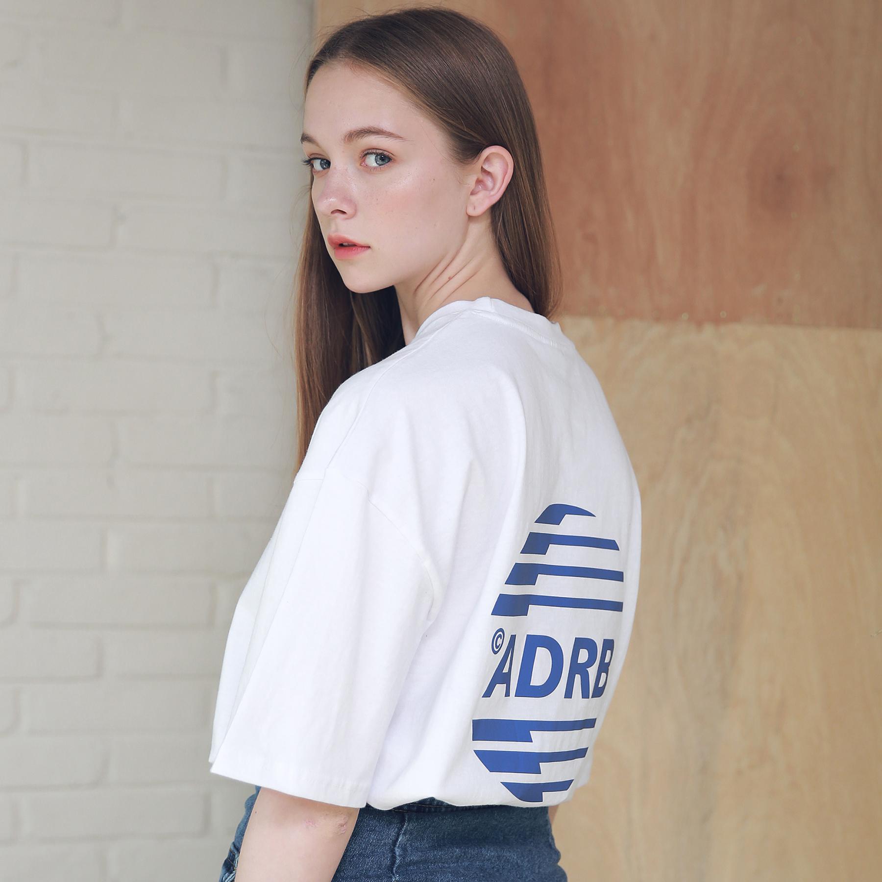 아더로브 유니섹스 시그니처 스카치 로고 티셔츠 ATS192005-WT 반팔티