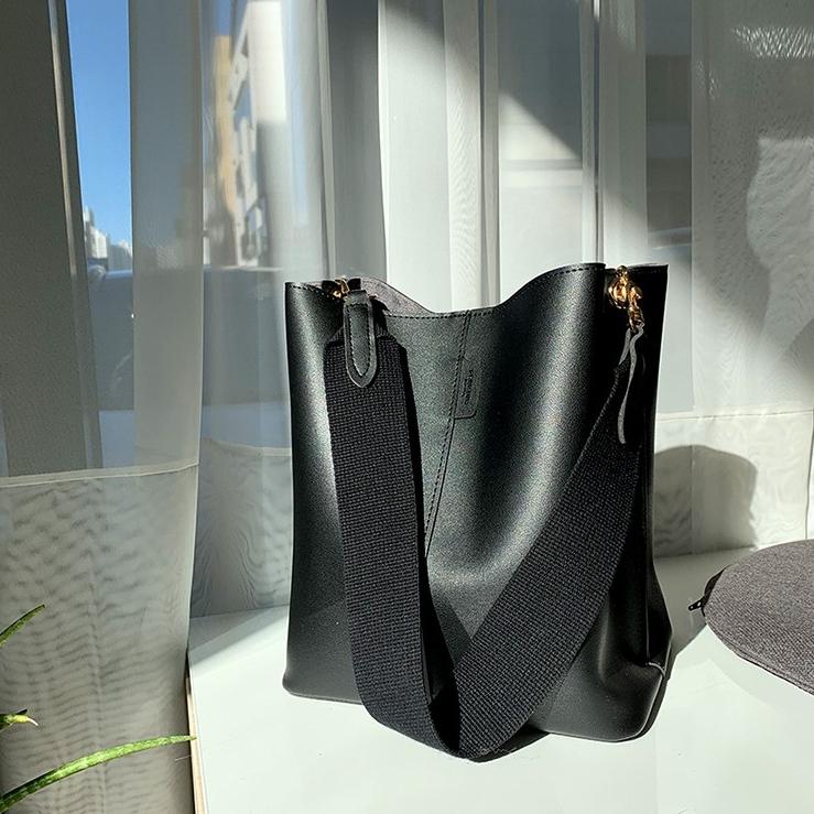 [디아이블랑] 루이버킷 숄더백 여성가방