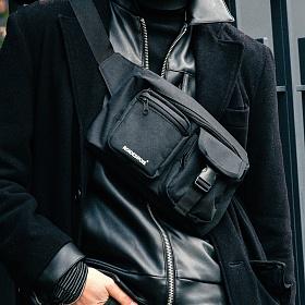 [로아드로아] ALPHA BUCKLE WAIST BAG (BLACK) 알파 버클 웨이스트백 힙색