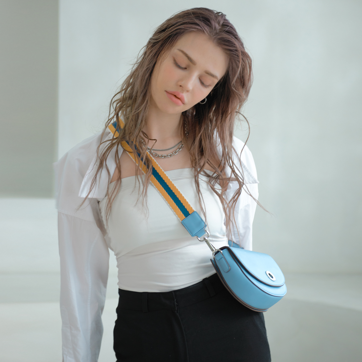 [투오]BELLO MINI CROSSBODY BAG 벨로 미니 크로스백_SKY BLUE