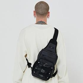 [로아드로아] RDR 3D MATRIX SLING BAG (JET BLACK) 슬링백