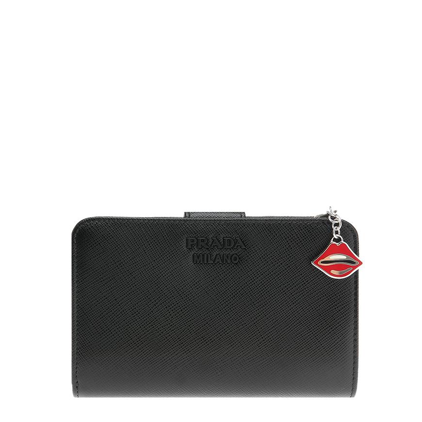 [프라다] 1ML225 2CHR F0002 블랙 사피아노 로고 립스 여성 중지갑