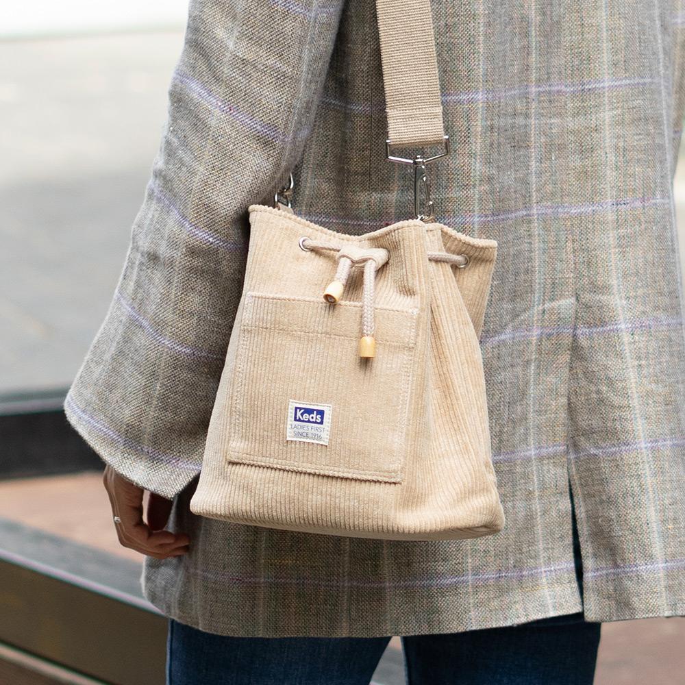 [케즈] KEDS - BUCKET BAG CD (버킷백 CD) (SB100038) 베이지 크로스백 숄더백 여성가방 코듀로이 골덴가방