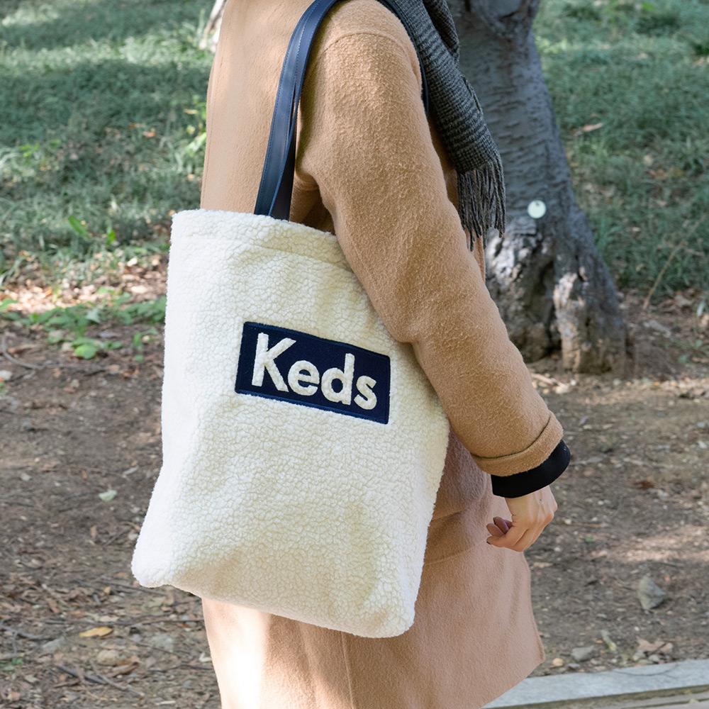 [케즈] KEDS - LOGO FLEECE BAG (로고 플리스백) (SB100040) 뽀글이 숄더백 여성가방