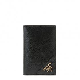 [프라다]20FW 2MC101 QME F0632 블랙 사피아노 금장 엣지로고 플랩 카드 홀더