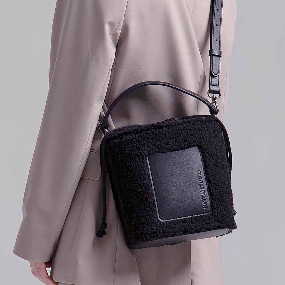 [키치스튜디오] 머그 플리스 백 (BG20025) 뽀글이백 여성가방