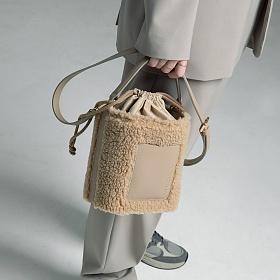 [키치스튜디오] 머그 플리스 백 (BG20027) 뽀글이백 여성가방